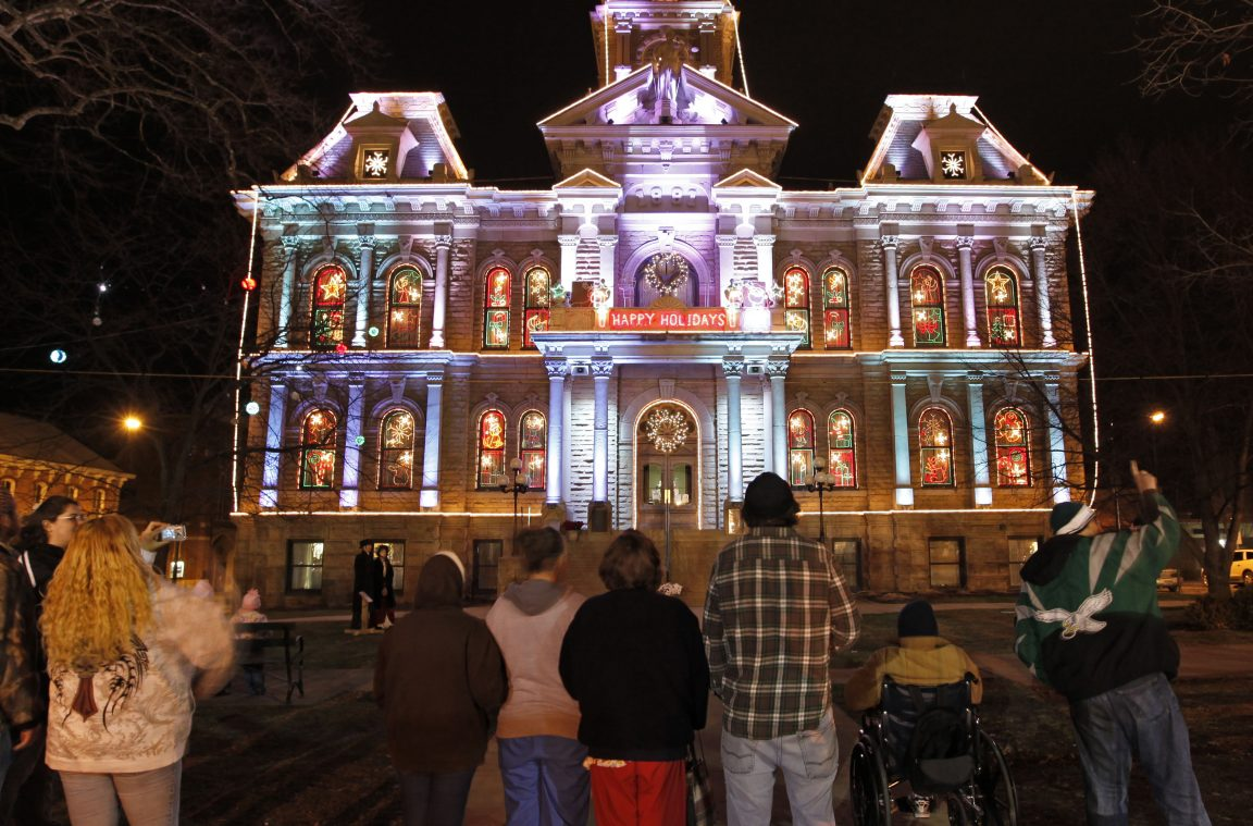 Guernsey County Courthouse Holiday Light Show Underway